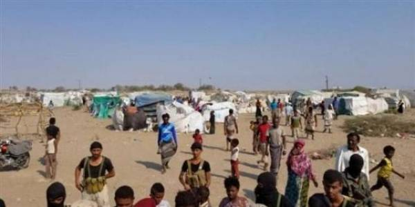 السعدي يطلع على اوضاع مخيمات النازحين في محافظة لحج