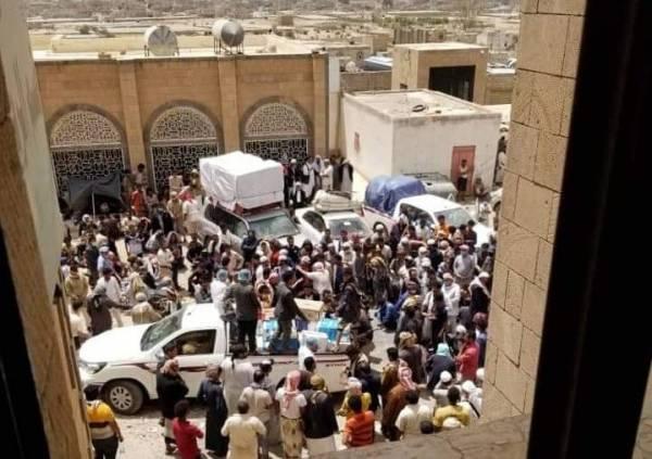 """كارثة """"حوثية"""" تفتك بالمسافرين في هذه """"المحافظة"""" بذريعة كورونا لليوم السادس على التوالي - تفاصيل + صور صادمة"""