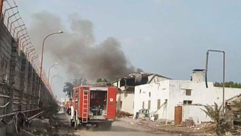 استشهاد وإصابة ثلاثة عمال بقصف حوثي أستهدف مجمع إخوان ثابت الصناعي في الحديدة